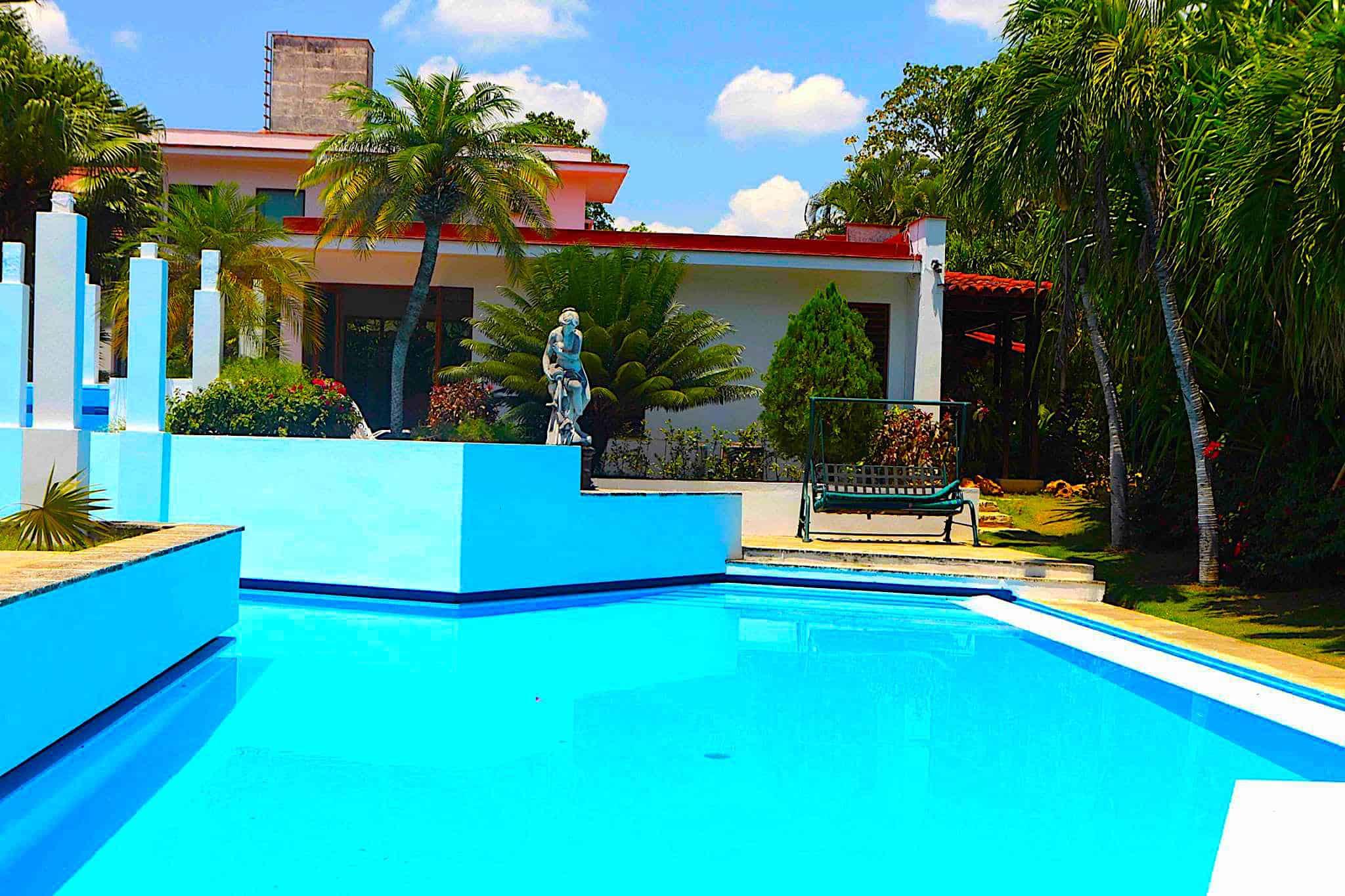 Lujocuba renta de villas con piscina y casas de lujo en cuba for Casas con piscina en cuba